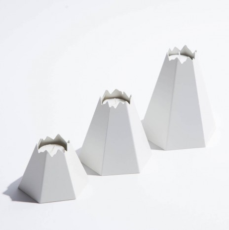 VOLCANO CANDLE HOLDER – WHITE
